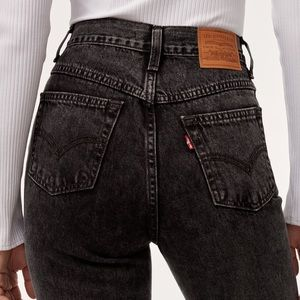 Levi's Mom Jeans Brenda Black High Rise